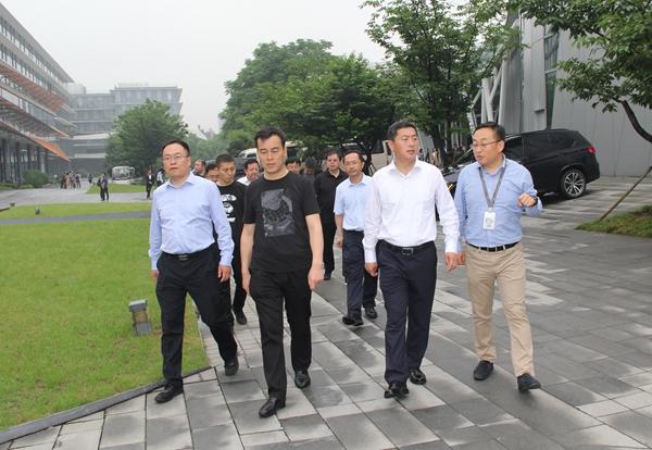 孟维君带队在杭州市考察学习
